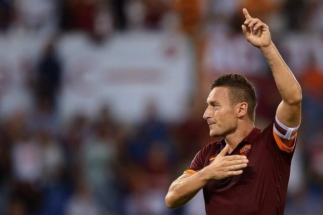 Футболната приказка на Франческо Тоти и Рома е пример за отдадеността и предаността към 1 отбор и неговите фенове.